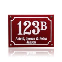Emaille huisnummer met naam rood, 140 x 100 mm
