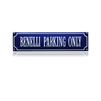 SS-08 emaille straatnaambord 'Benelli parking only'